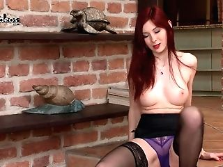 Stockingvideos - Flamy Retro Red-haired Tramp Katie Gold