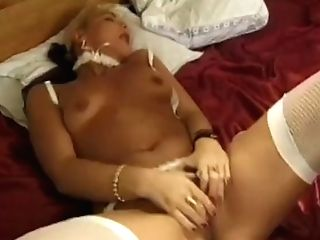 Nice Inexperienced Lady Shows Her Amazing Dick Railing Abilities