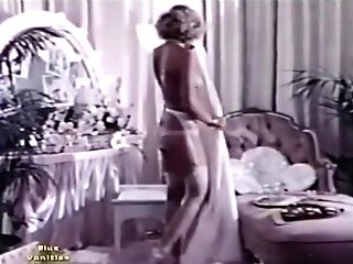 Solo Females, Nudes And Lezzies 29 1970's - Scene Three